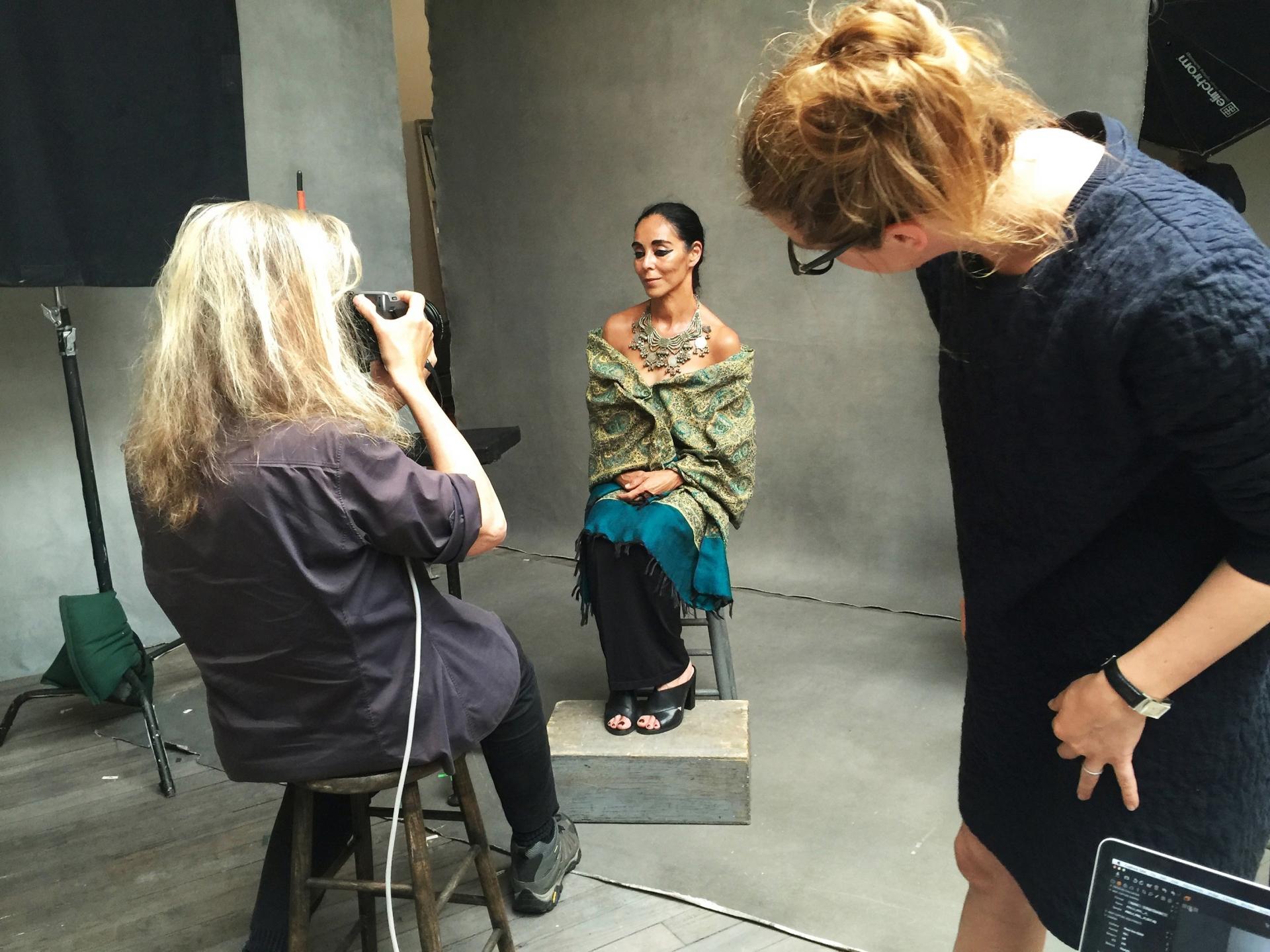 Donne che fotografano le donne